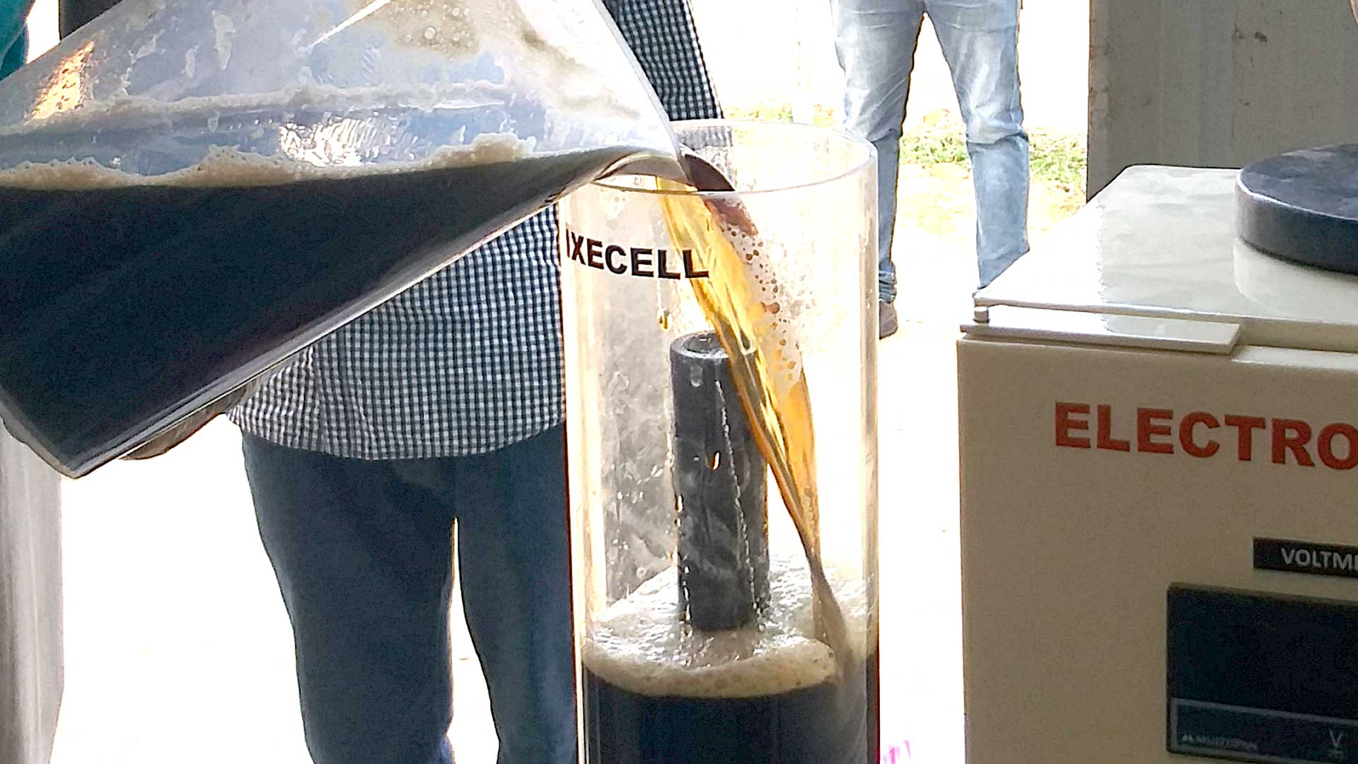 Leachate effluent Poured into Pixecell Reactor . Hydrolysis during electrocoagulation process